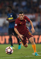 Calcio, Serie A: Roma vs Inter. Roma, stadio Olimpico, 2 ottobre 2016.<br /> Roma's Alessandro Florenzi in action during the Italian Serie A football match between Roma and FC Inter at Rome's Olympic stadium, 2 October 2016.<br /> UPDATE IMAGES PRESS/Isabella Bonotto