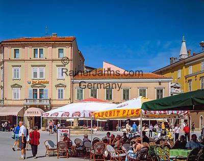 "Kroatien, Istrien, Rovinj: ""Perle Istriens"" Altstadt, Strassencafes   Croatia, Istria, Rovinj: ""Perl of Istria"" old town, cafes"