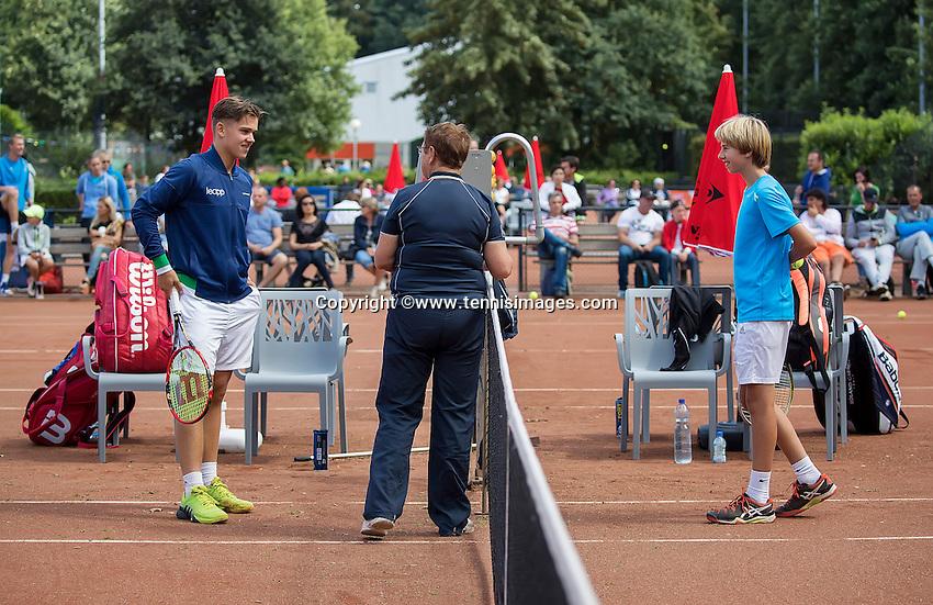 Hilversum, Netherlands, August 8, 2016, National Junior Championships, NJK, Stijn Pel (L) and Roan  Bezooijen at the toss<br /> Photo: Tennisimages/Henk Koster