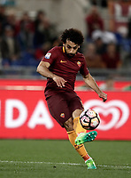 Calcio, Serie A: Roma, stadio Olimpico, 1 aprile, 2017.<br /> Roma's Mohamed Salah in action during the Italian Serie A football match between Roma and Empoli at Olimpico stadium, April 1, 2017<br /> UPDATE IMAGES PRESS/Isabella Bonotto