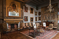 Europe/Europe/France/Midi-Pyrénées/46/Lot/Prudhomat: Le château de Castelnau-Bretenoux - Les Appartements de Jean Mouliérat, tenor de l'Opéra comique au XIX - Le salon Louis XIV  [Non destiné à un usage publicitaire - Not intended for an advertising use]