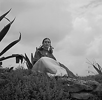1937 photograph of Frida Kahlo for Vogue by Toni Frissell,