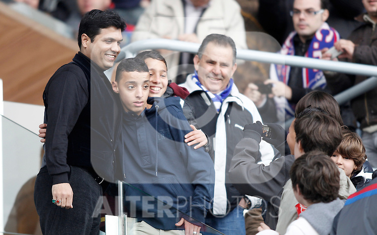 Racing de Santander's owner Ali Syed pose for pictures with children during La Liga Match. February 20, 2011. (ALTERPHOTOS/Alvaro Hernandez)