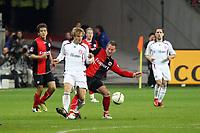 Michael Fink (Eintracht) gegen Andreas Ottl (Bayern)<br /> Eintracht Frankfurt vs. FC Bayern Muenchen, Commerzbank Arena<br /> *** Local Caption *** Foto ist honorarpflichtig! zzgl. gesetzl. MwSt. Auf Anfrage in hoeherer Qualitaet/Aufloesung. Belegexemplar an: Marc Schueler, Am Ziegelfalltor 4, 64625 Bensheim, Tel. +49 (0) 6251 86 96 134, www.gameday-mediaservices.de. Email: marc.schueler@gameday-mediaservices.de, Bankverbindung: Volksbank Bergstrasse, Kto.: 151297, BLZ: 50960101