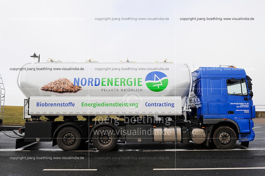 GERMANY transport of wood pellets, which are used for heating / DEUTSCHLAND, Transport von Holzpellets zum Heizen