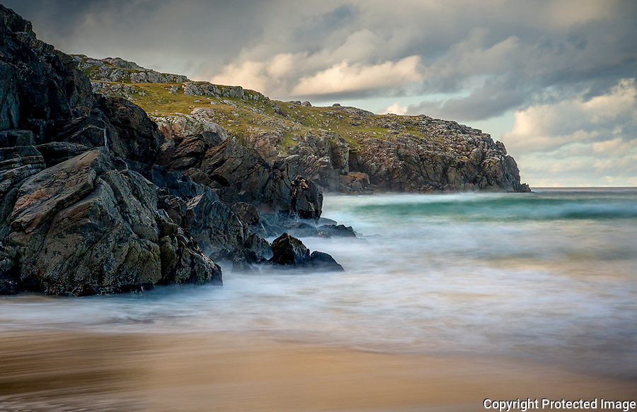 Isle of Lewis and Harris, Scotland: Waves on the shores of Dail Mor (Dalmore) beach on the north side of Lewis Island