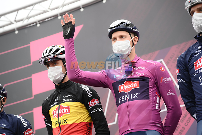 Maglia Ciclamino Tim Merlier (BEL) and Alpecin Fenix at sign on before the start of Stage 3 of the 2021 Giro d'Italia, running 190km from Biella to Canale, Italy. 10th May 2021.  <br /> Picture: LaPresse/Gian Mattia D'Alberto | Cyclefile<br /> <br /> All photos usage must carry mandatory copyright credit (© Cyclefile | LaPresse/Gian Mattia D'Alberto)