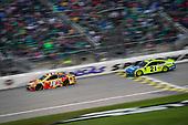 #18: Kyle Busch, Joe Gibbs Racing, Toyota Camry M&M's Red Nose Day, #21: Paul Menard, Wood Brothers Racing, Ford Mustang Menards / Dutch Boy