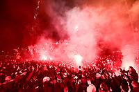 Rassemblement des supporters du PSG autour du Parc des Princesen marge du Match de Ligue des Champions a huis clos du au COVID19<br /> Tifosi del Paris Saint Germain PSG fuori lo stadio.<br /> L'incontro PSG Borussia Dortmund si disputa a porte chiuse per l'emergenza coronavirus covid_19 <br /> Photo JB Autissier/Panoramic/Insidefoto