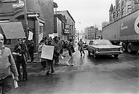 1972 SOI - BIEN-ETRE SOCIAL - Manifestation
