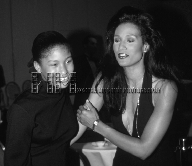 Beverly Johnson and daughter Anansa Sims on March 1, 1990 in New York City.