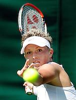 29-6-07,England, Wimbldon, Tennis, Michaella Krajicek heeft een goede focus op de bal