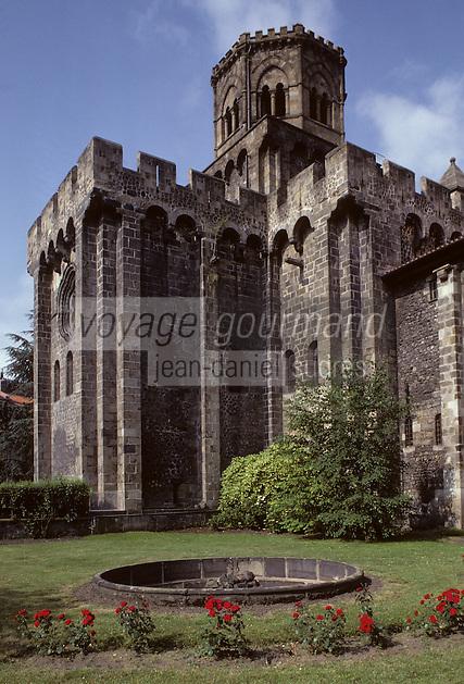 Europe/France/Auverne/63/Puy-de-Dôme/Royat: L'église fortifiée Saint-Léger (Architecture romane)
