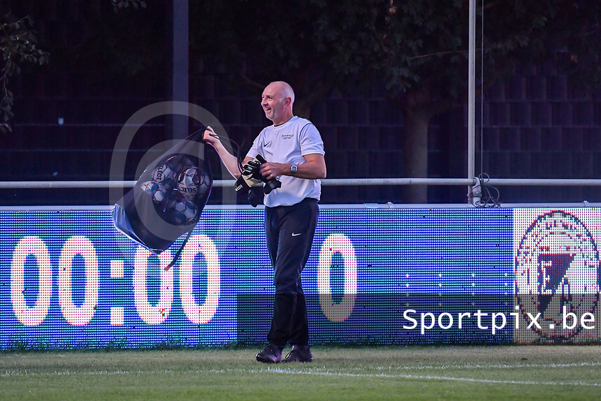 Aalst's goalkeepercoach Mario De Bisschop pictured during a female soccer game between  AA Gent Ladies and Eendracht Aalst on the second matchday of the 2020 - 2021 season of Belgian Scooore Womens SuperLeague , friday 4 th of september 2020  in Oostakker , Belgium . PHOTO SPORTPIX.BE | SPP | STIJN AUDOOREN