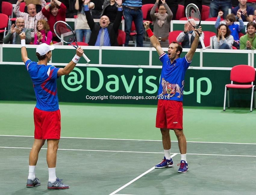 01-02-14,Czech Republic, Ostrava, Cez Arena, Davis Cup Czech Republic vs Netherlands,   Berdych/Stepanek(R)(CZE) win the double and celebrate<br /> Photo: Henk Koster