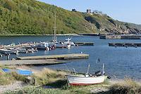 Hafen von Hammerhavn und Burgruine Hammershus auf der Insel Bornholm, Dänemark, Europa<br /> Port of Hammershavn and casle ruin Hammershus, Isle of Bornholm, Denmark