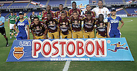 CALI - COLOMBIA -10-04-2014: Los Jugadores de Deportes Tolima posan para una foto durante  partido Deportivo Cali y Deportes Tolima por la fecha 16 de la Liga Postobon I 2014 en el estadio Pascual Guerrero de la ciudad de Cali.  / The players of Deportes Tolima pose for a photo during a match between Deportivo Cali and Deportes Tolima for the date 16th of the Liga Postobon I 2014 at the Pascual Guerrero stadium in Cali city. Photo: VizzorImage / Luis Ramirez / Staff.