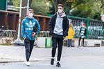 16.10.2020, Trainingsgelaende am wohninvest WESERSTADION - Platz 12, Bremen, GER, 1.FBL, Werder Bremen Training<br /> <br /> Ankunft der Spieler am Freitag mittag mit mit CORONA Alltagsmasken (Mund-Nasen-Bedeckung) zum Abschlusstraining vor dem Auswaertsspiel gegen FC Freiburg<br /> <br /> Romano Schmid (Werder Bremen 20) (li) Ilia Gruev (Werder Bremen #28)<br /> <br /> Foto © nordphoto / Kokenge