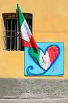 Milano 25 aprile2020.  bandire alle finestre e ai balconi ai tempi della quarantena Milano 25 aprile 2020 in quarantena.  Festa della Liberazione,bandiere alle finestre e ai balconi.l'Italia