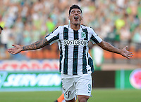 MEDELLIN - COLOMBIA - 2-08-2015: Jefferson Duque jugador del Atletico Nacional  celebra su gol contra el  Envigado FC   durante partido  por la fecha 4 de la Liga Aguila II 2015 jugado en el estadio Atanasio Girardot. / Jefferson Duque player of Atletico Nacional celebrates his goal against  of Envigado FC  during a match for the fourth date of the Liga Aguila II 2015 played at Atanasio Girardot stadium in Medellin city. Photo: VizzorImage / Leon Mosalve  / Str.