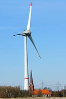 Altenwerder Kirche mit Windkraftanlage: EUROPA, DEUTSCHLAND, HAMBURG, (EUROPE, GERMANY), 27.03.2013: Die Windkraftanlage neben der alten Kirche St. Grtrud in Hamburg Altenwerder ist 198,45 Meter hoch.