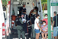 Recife (PE), 23/03/2021 - Covid-Recife - Movimentação de ambulancias e pacientes na UPA Dulce Sampaio da Avenida Abdias de Carvalho no bairro Bongi em Recife nesta terça-feira (23).