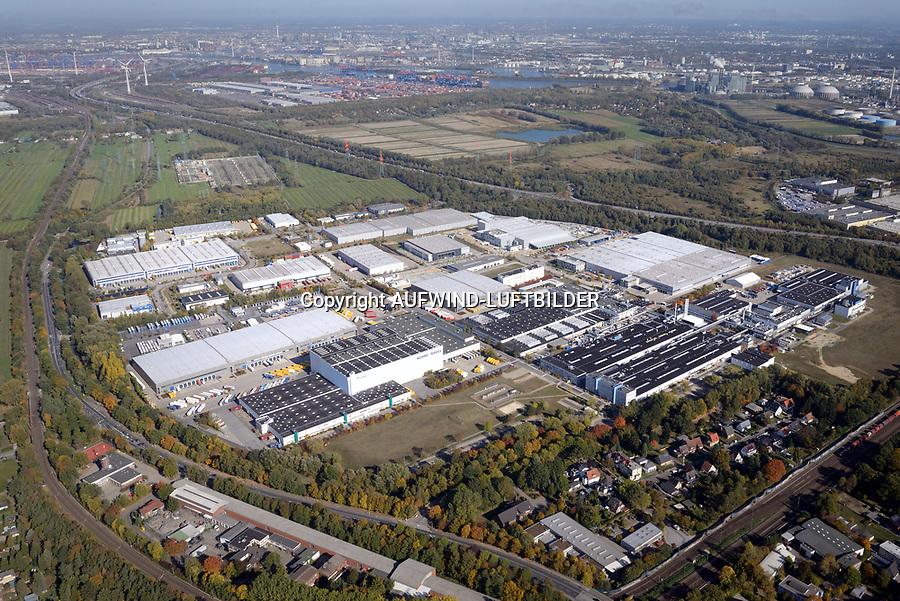 Gewerbe und Logistikpark Waltershofer Strasse an der A7: EUROPA, DEUTSCHLAND, HAMBURG 13.10.2018 Gewerbe und Logistikpark Waltershofer Strasse an der A7