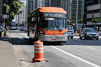 13.03.2020 - Cratera na avenida Paulista em SP