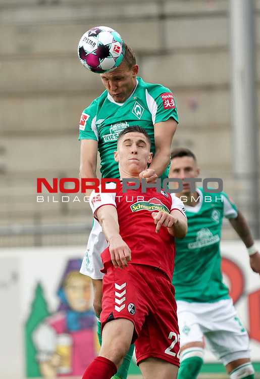 17.10.2020, Schwarzwald Stadion, Freiburg, GER, 1.FBL, SC Freiburg vs SV Werder Bremen<br /> <br /> im Bild / picture shows<br /> Ludwig Augustinsson (Bremen), Roland Sallai (Freiburg)<br /> <br /> Foto © nordphoto / Bratic<br /> <br /> DFL REGULATIONS PROHIBIT ANY USE OF PHOTOGRAPHS AS IMAGE SEQUENCES AND/OR QUASI-VIDEO.