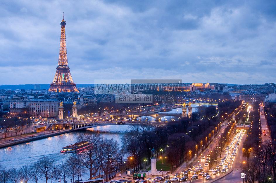 Europe/France/Ile-de-France/75/Paris: La Seine et la Tour Eiffel  // Europe / France / Ile-de-France / 75 / Paris: The Seine and the Eiffel Tower