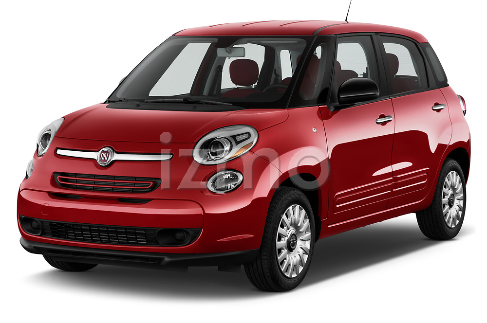 Front three quarter view of a 2017 Fiat 500L Hatchback