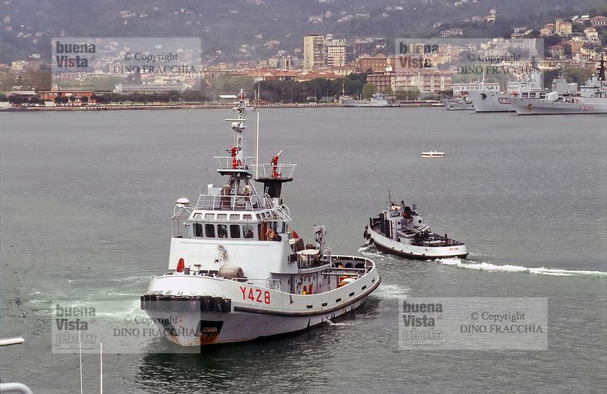 - Marina Militare Italiana, il rimorchiatore costiero Porto Salvo nel porto dell'Arsenale Militare di La Spezia<br /> <br /> - Italian Navy, the coastal tugboat Porto Salvo in the harbour of La Spezia Military Arsenal