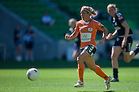 MELBOURNE, AUSTRALIA - DECEMBER 4: Lisa de Vanna of the Roar prepares to kick a goal in round 5 of the Westfield W-league match between Melbourne Victory and Brisbane Roar on 4 December 2010 at AAMI Park in Melbourne, Australia. (Photo Sydney Low / asteriskimages.com)