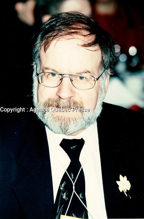 Guy Theberge, Recyc-Quebec<br /> <br /> Congres et  Salon de l AQTE<br /> (Association quebecoise des Techniques de l'Eau<br /> , Avril 1998<br /> , Centre des congres de Quebec<br /> <br /> PHOTO :  Agence Quebec Presse - Pierre Roussel