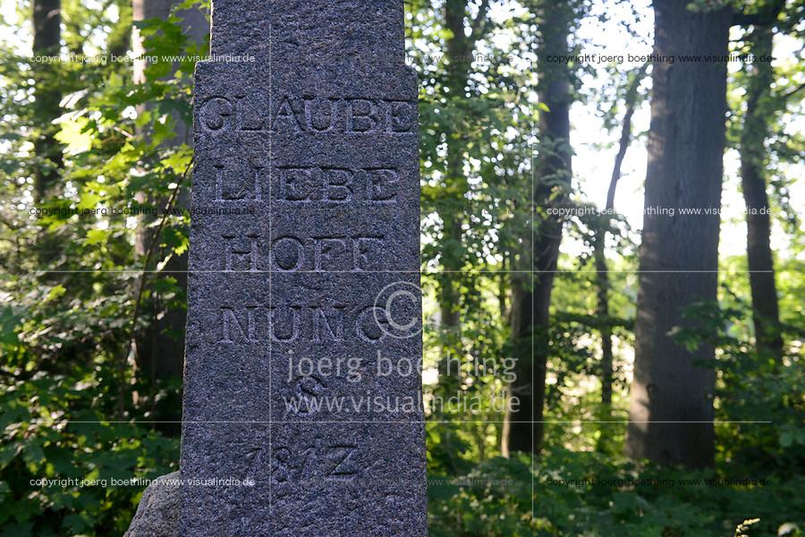 GERMANY, Teterow, forest, memorial stone / DEUTSCHLAND, Burg Schlitz, Landschaftsschutzgebiet Saechsische Schweiz, intakter Wald, Laubwald, Gedenkstein