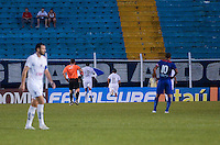 SAO CAETANO DO SUL, SP, 16 FEVEREIRO 2013 - CAMPEONATO PAULISTA - SAO CAETANO X BRAGANTINO -Lincom do Bragantino comemora gol durante  partida contra o BRAGANTINO em partida valida pelo Campeonato Paulista, no Estadio Anacleto campannela no ABC Paulista, neste domingo. (FOTO: ADRIANO LIMA / BRAZIL PHOTO PRESS).