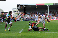 Winston Stanley of Harlequins scores a try past James Short of Exeter Chiefs during the Aviva Premiership match between Harlequins and Exeter Chiefs at The Twickenham Stoop on Saturday 7th May 2016 (Photo: Rob Munro/Stewart Communications)