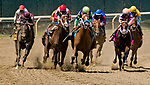 ELMONT, NY - JUNE 09: The field for the Brooklyn Invitational enters the stretch on Belmont Stakes Day at Belmont Park on June 9, 2018 in Elmont, New York. (Photo by Dan Heary/Eclipse Sportswire/Getty Images)