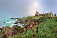 SC - Prov. ABERDEENSHIRE<br /> Slains Castle on the rough coastline between North Haven and Cruden Bay<br /> <br /> Full size: 69,2 MB