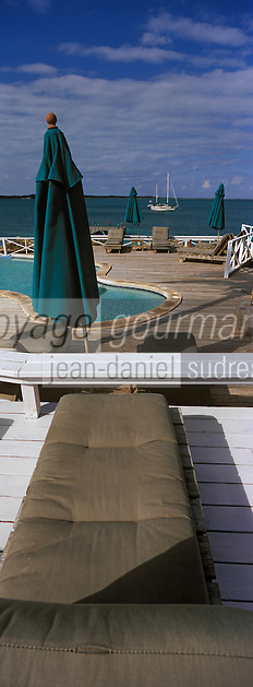 Iles Bahamas /Ile d'Eleuthera/Harbour Island: Piscine et ponton de l'Hotel Romora Bay