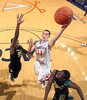 20101217 Oregon Ducks vs Virginia Cavaliers NCAA basketball