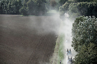 "dusty race conditions in the back<br /> <br /> Antwerp Port Epic 2018 (formerly ""Schaal Sels"")<br /> One Day Race: Antwerp > Antwerp (207km of which 32km are cobbles & 30km is gravel/off-road!)"