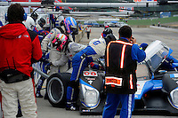Pit stop and driver change, #08 Peugeot Sport 908 HDI/FAP of Franck Montagny & Stephane Sarrazin