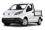 Low aggressive front three quarter view of a Stock pictures of low aggressive front three quarter view of 2021 Nissan e-NV200 Business 4 Door Cargo Van