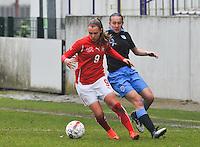 UEFA Women's Under 17 Championship - Second Qualifying round - group 1 : England - Switzerland : .Noelle Maritz aan de bal voor Lucy Whipp..foto DAVID CATRY / Vrouwenteam.be