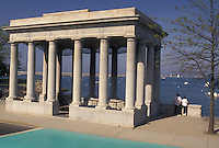 AJ4422, Plymouth Rock, Plymouth, Plymouth Harbor, Massachusetts, Plymouth Rock is housed in a granite portico on Plymouth Harbor in Plymouth in the state of Massachusetts.