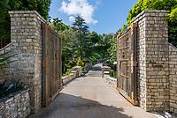 Elevado Gate