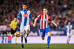Diego Reyees of RCD Espanyol battles for the ball with Kevin Gameiro of Atletico de Madrid during the La Liga match between Atletico de Madrid and RCD Espanyol at the Vicente Calderón Stadium on 03 November 2016 in Madrid, Spain. Photo by Diego Gonzalez Souto / Power Sport Images