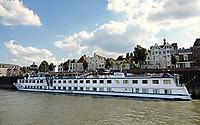 Nederland  Nijmegen  - September 2020.     Riviercruiseschip op de Waal.     Foto : ANP/ Hollandse Hoogte / Berlinda van Dam