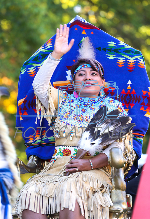 Grand Marshall Sherry Rupert waves to the crowds at the Nevada Day parade in Carson City, Nev., on Saturday, Oct. 31, 2015. <br /> Photo by Cathleen Allison